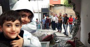 Polis Panzeri Evde yatan 2 çocuğu ezerek öldürdü